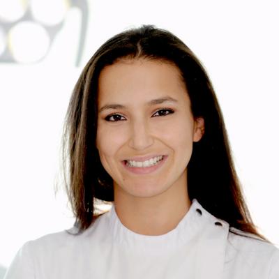 Drª. Flávia Farinha - Ortodontia