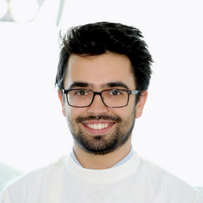 Dr. Alex Luz - Clínica Arriaga